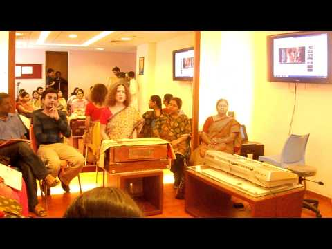 Tatjana Novak. Music therapy with pregnant women in India!