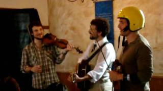 Scythian - Ashoken Farewell - Celtic Classic (Breakfast with Scythian) - 9/27/09