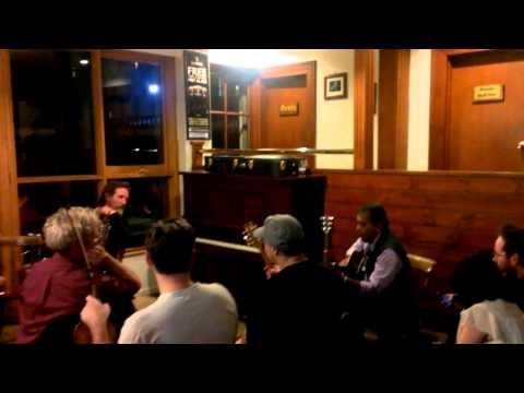 Chitha Singing Galway Bay At The Corkman