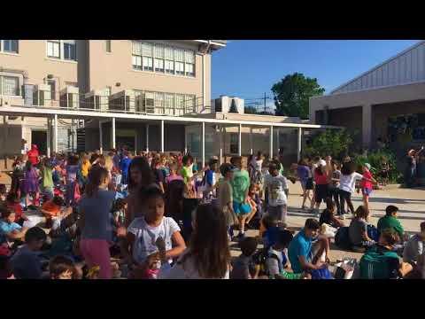 Watch Lusher kindergarteners sing, dance to celebrate graduating seniors