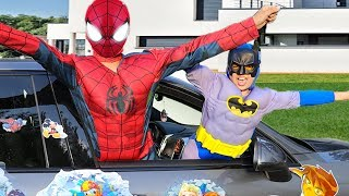 Sami became a superheroes and helps his friends,es boys tv