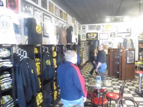 Memphis PART 1.... Beale St . Sun Studio & Graceland tour