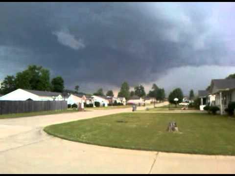 Tornado Wall Cloud Forming May 25, 2010 Pulaski County, AR