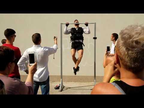 Sebastian Mendikovic - Obaranje Guinessovog rekorda u zgibovima s 27 kg tereta