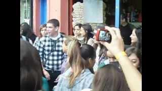 Christian Chávez 22/06/12 - Fãs cantando LIBERTAD na fila