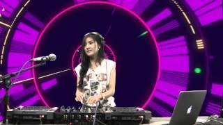 Repeat youtube video ดีเจฟ้าใส - DJ Faahsai บน Garena TalkTalk 19 กรกฏาคม 56