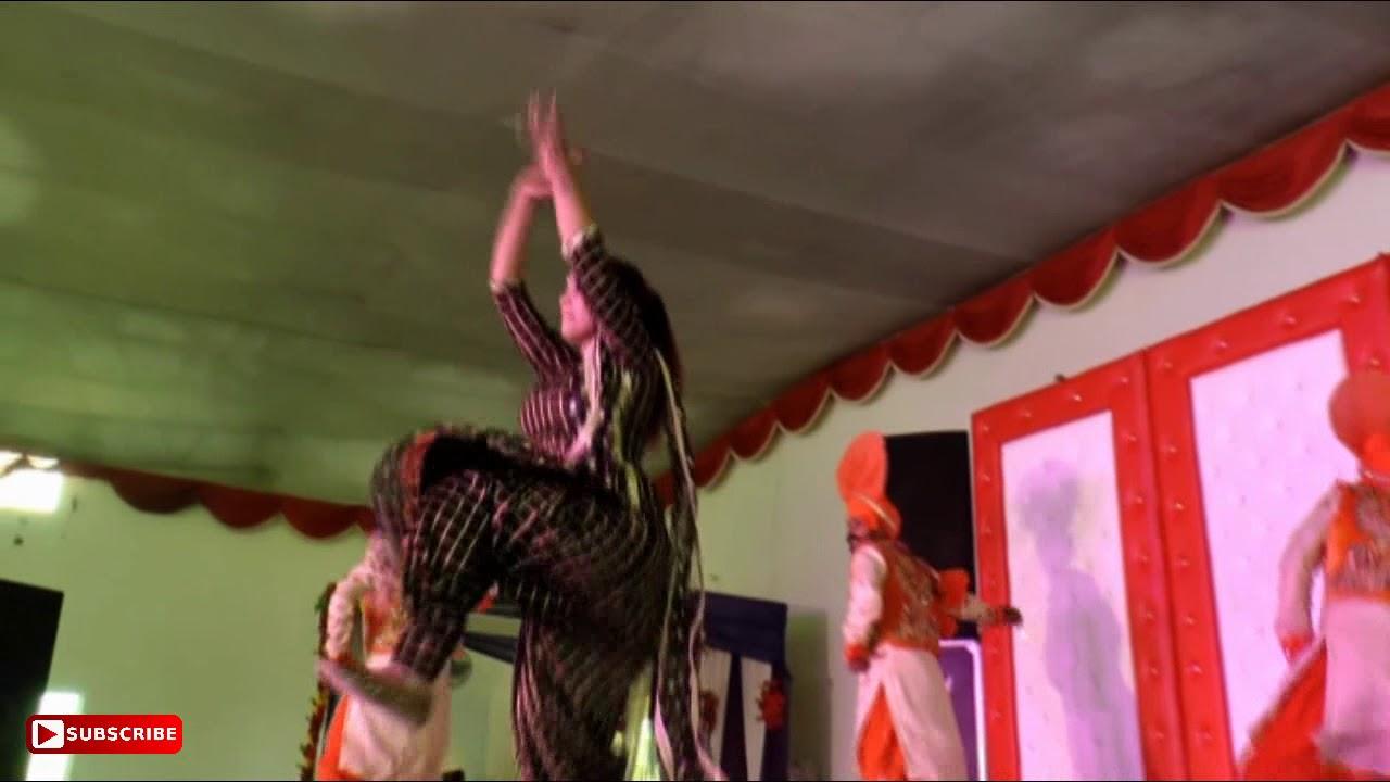 Bhangra Queen Miss Komal Is Back Best Dancer In Punjab Wedding Dance HD
