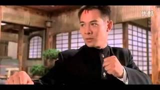 《精武英雄》陈真、霍廷恩和日本军官藤田刚的比武.mp4