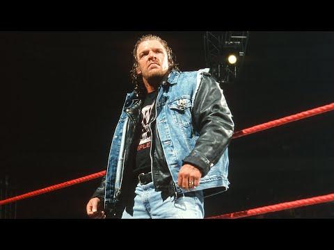 Triple H triumphantly returns from a quad injury: Raw, Jan. 7, 2002