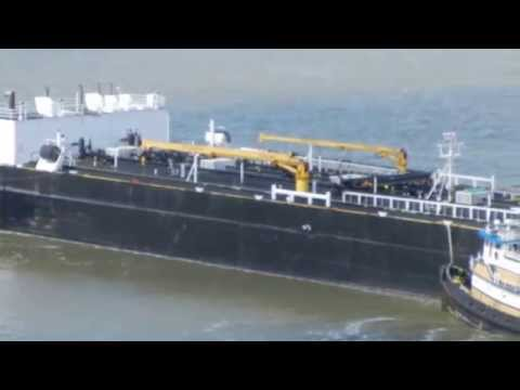 Tugs Pacific Falcon and Z-Four moving tank barge 65 Roses