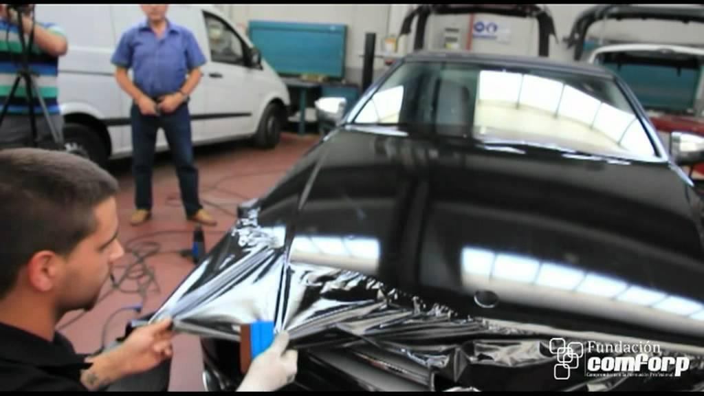 Poner vinilo en un coche youtube for Espejos para pegar