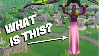FORTNITE - Zoey's Skirt is BROKEN? WEIRD GLITCH