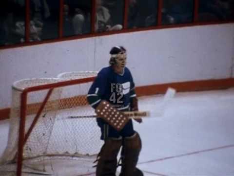 Canucks-Flyers 70