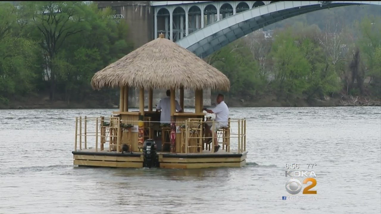First Tiki Tour Boat Arrives In Pittsburgh