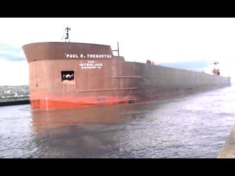 """""""Paul R Tregurtha"""" THE GREAT LAKES LONGEST SHIP Blasts Horn! Awesome"""