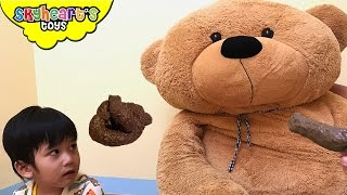 GIANT BEAR POOPS - and farts by eating Grossery Gang Corny Chips Play Doh toys