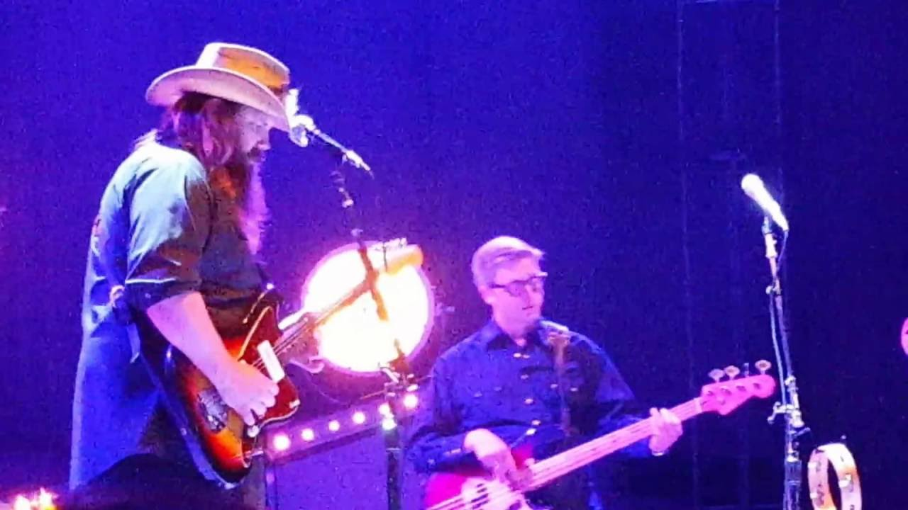 chris stapleton tribute to prince by singing live nothing compares to you greek theater. Black Bedroom Furniture Sets. Home Design Ideas