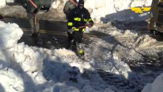 #manationalgard helps dig hydrants out in #Lawrence  crews from the 101st Engineer Battalion based i