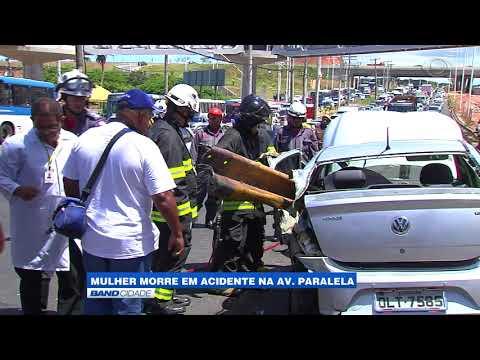 Mulher morre em acidente na Avenida Paralela