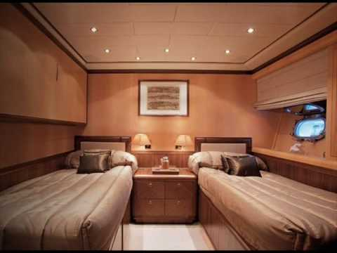 VIPMAJESTIC.COM - Mangusta 130 Interior photos - Luxury Yachts for sale