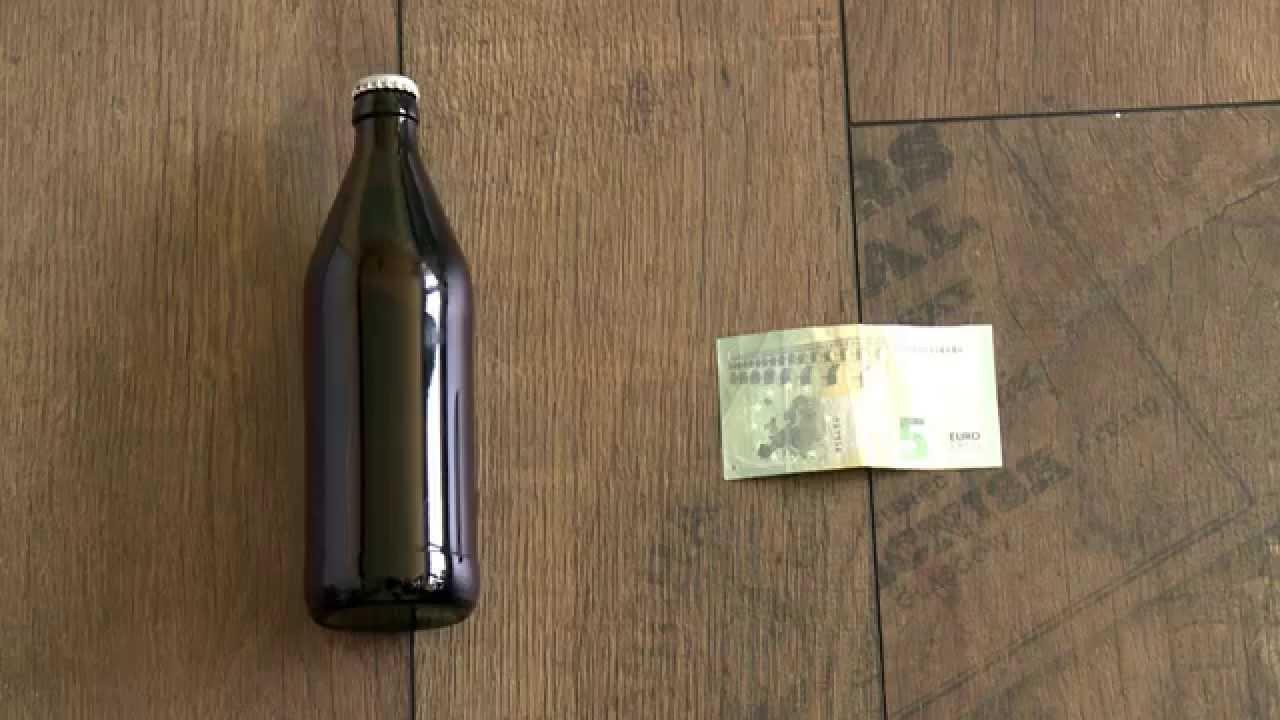 der hebel trick ein bier mit einem geldschein ffnen. Black Bedroom Furniture Sets. Home Design Ideas