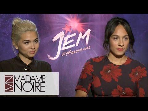 Jem e le Holograms - intervista Hayley Kiyoko e Aurora Perrineau clip