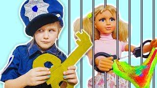 Кукла Настя УКРАЛА все слаймы Яна играет в полицейского и нарушителей COP LOCKED UP in Jail