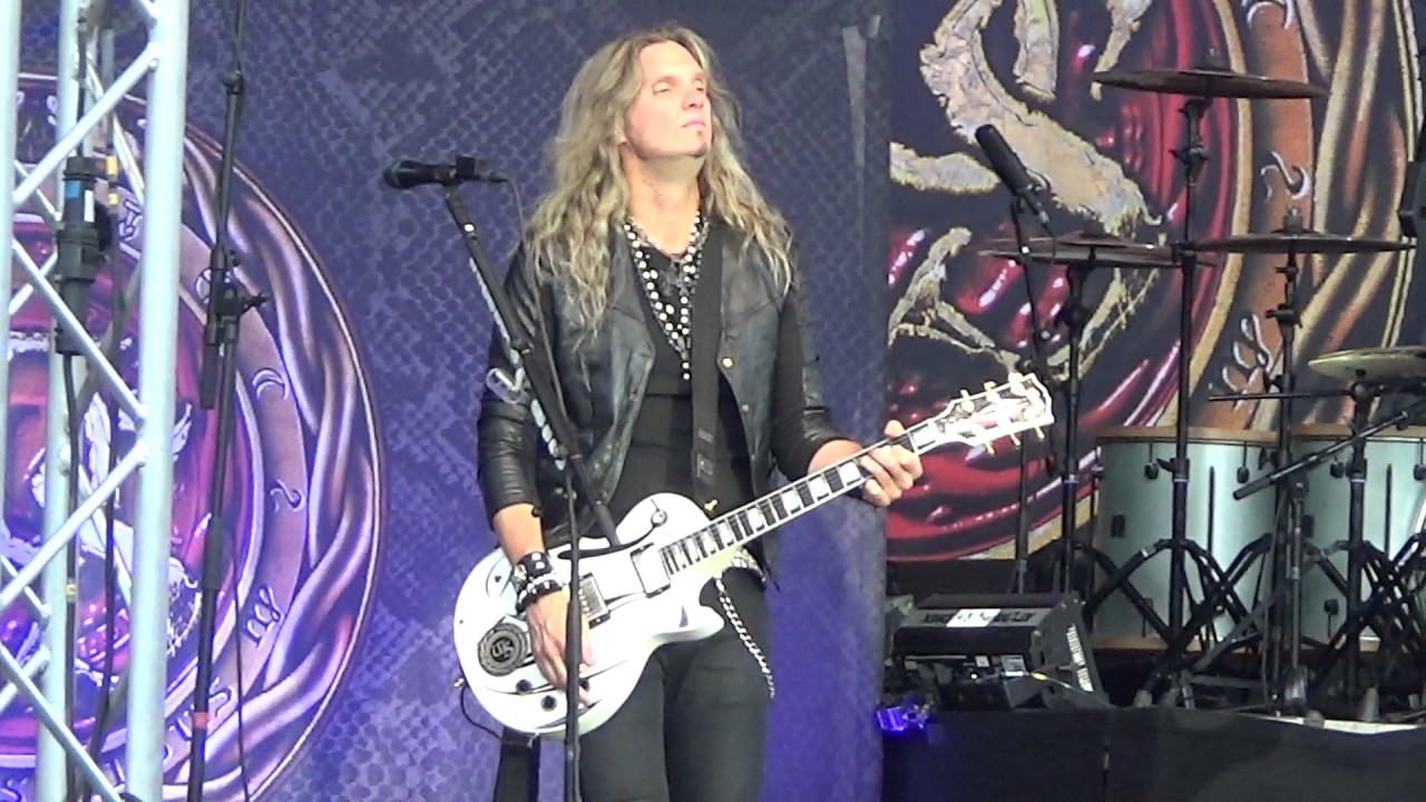 Whitesnake - Live....In The Heart Of The City