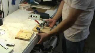 Lever Clamp : A Jigsaw Helper