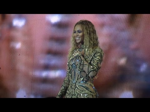 Beyoncé - Halo (Live in Brussels, Belgium - Formation World Tour) Front Row HD