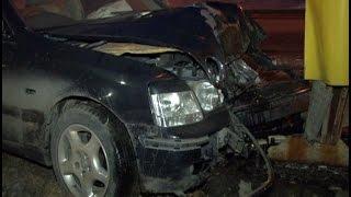 В информационный стенд хабаровской АЗС врезался неопытный водитель.MestoproTV(В субботу вечером начинающий автомобилист разбил свою новую машину об информационный стенд АЗС, сообщает..., 2016-03-23T00:05:25.000Z)
