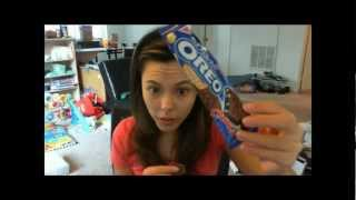 Random Snack Time With Elise: Oreo Crunch Bar W/ Macadamia Nuts