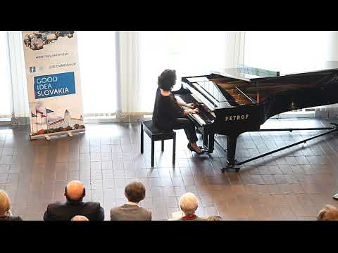 Ana Kipiani playing Chopin - Fantasie-Impromptu op 66