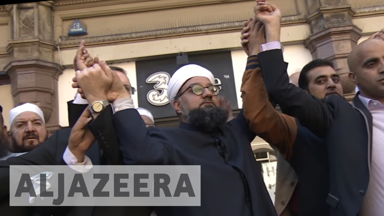 Manchester attack sparks show of religious unity