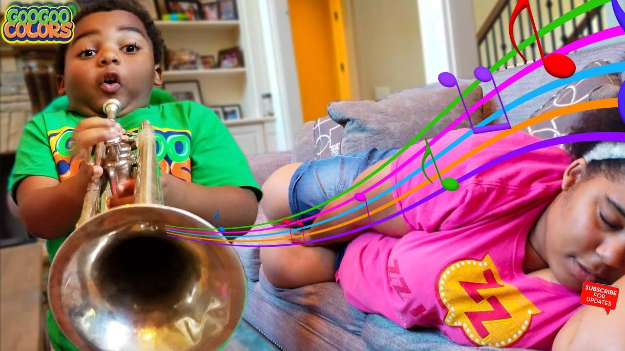 Goo Goo Gaga Plays Music To Wake Up Goo Goo Mom! (Goo Goo Colors Stories For Kids)