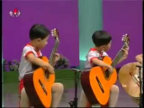 маленькая девочка со взглядом волчицы видео уроки на гитаре