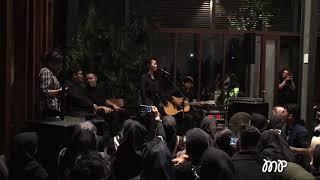 Cover images Yura Yunita - Merakit (Bahasa Isyarat)   LIVE @ Kumpul Teman Tulus 2019