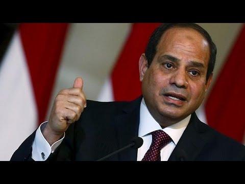 Egypt struggles to avert economic pressures