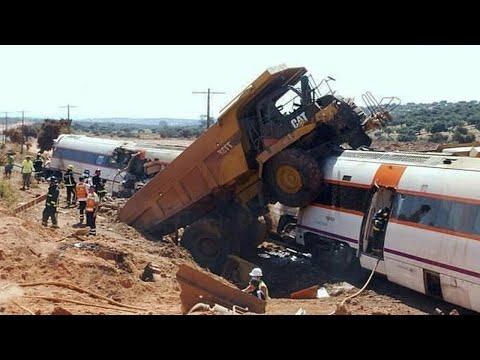 10 Dangerous Idiots Biggest Truck, Climbing Excavator Fails Compilation - Heavy Equipment Working