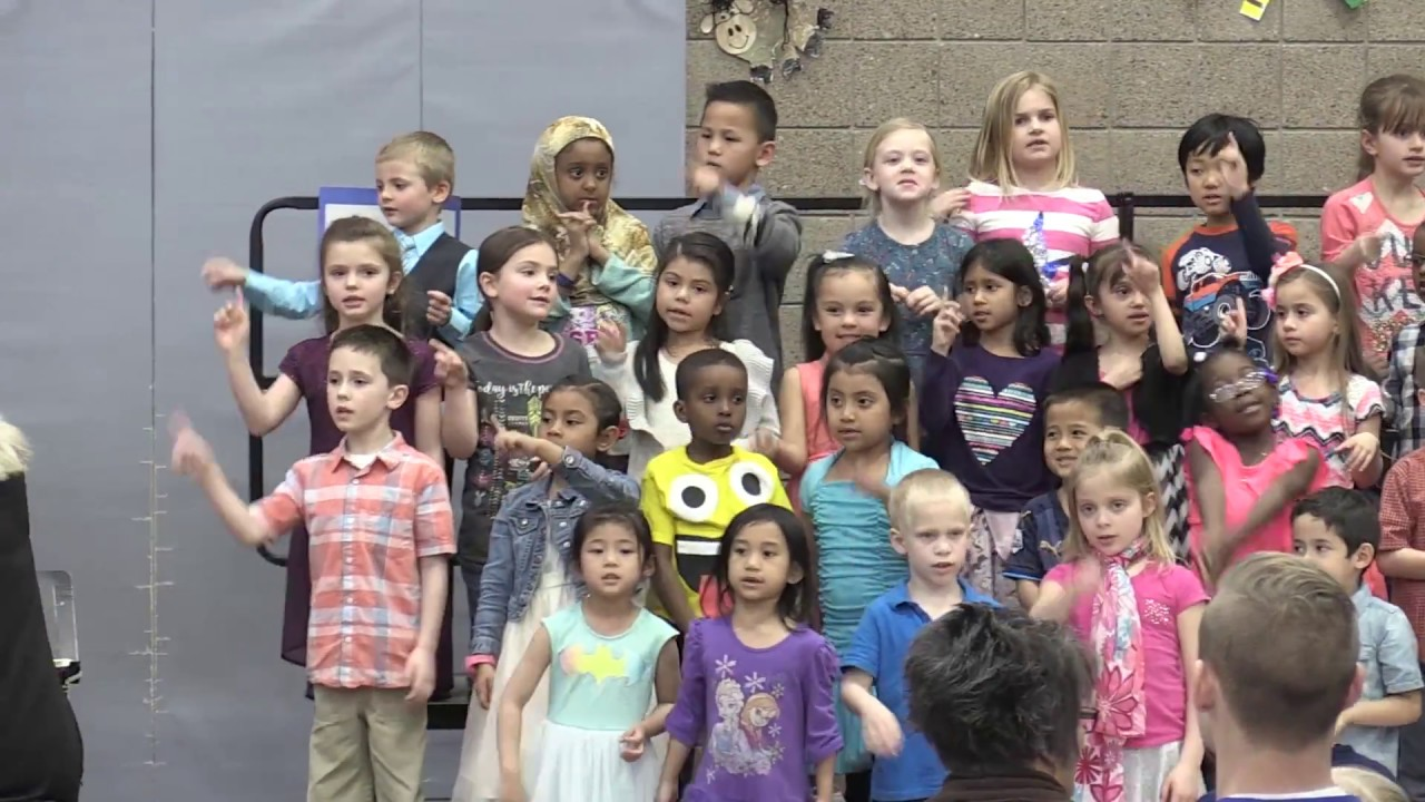 kindergarten girl side 03.31.2017 Park Side Friday Kindergarten Concert