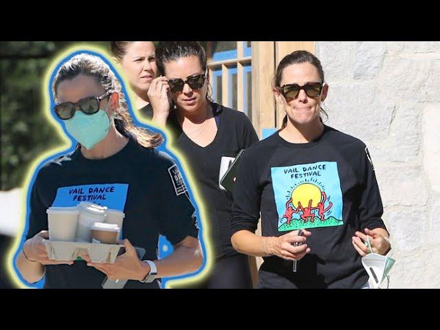 Jennifer Garner Is Feeling Upbeat After Ben Affleck's Romantic Cruise With Jennifer Lopez