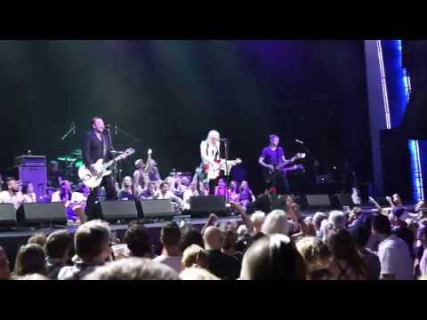 Malibu Courtney Love at Motorcity Casino Detroit
