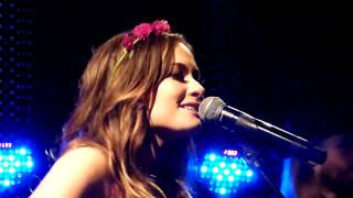 Kacey Musgraves - Follow Your Arrow (live) - Whelans, Dublin - 11-10-2013