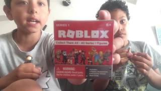 Abbiamo 5 Roblox figura