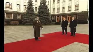 Янукович офигел Инцидент с фуражкой  Прикол