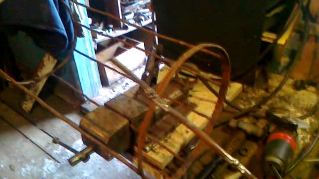 корзина для дров из старых ведер