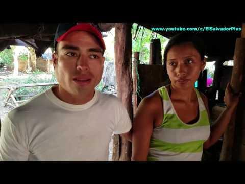 La Familia De Tun Tun Esta Muy Agradecida Por La Ayuda Recibida - La Cena Navideña 2 de 20