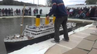 R.M.S.Titanic, la maqueta navega en aguas de Banyeres ( Alicante )
