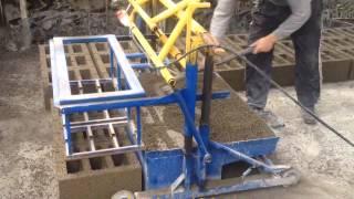 Станок для изготовления шлакоблоков Т-30 wmv(Оборудование для производства шлакоблоков, кеармзитоблоков. Бетономешалки роторного типа для приготовлен..., 2014-12-09T07:51:25.000Z)