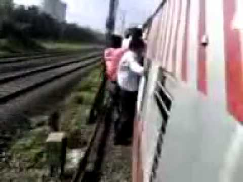 Bhalki-Train Accident in Manmad To Secudnrabad Experess- Shoot Omi